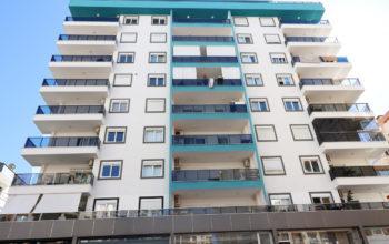 Недорогая квартира 1+1 с большой площадью в Махмутларе