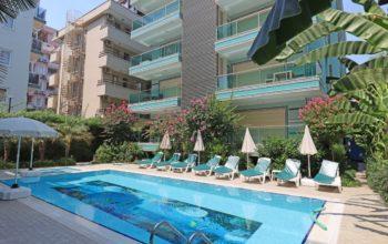 Меблированная квартира 2+1 в хорошем комплексе рядом с пляжем Клеопатра