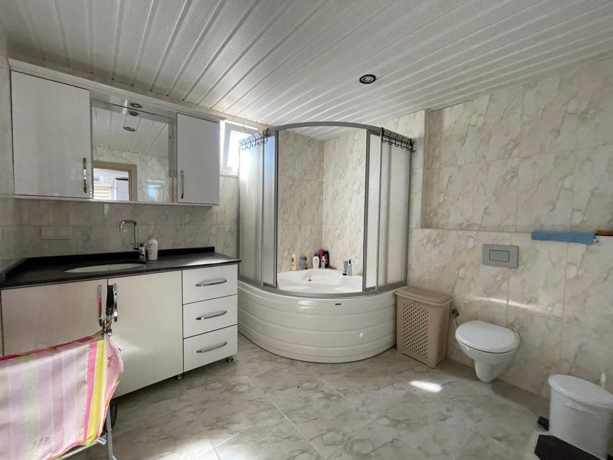 Меблированный пентхаус с тремя спальнями в Махмутларе  - Фото 30