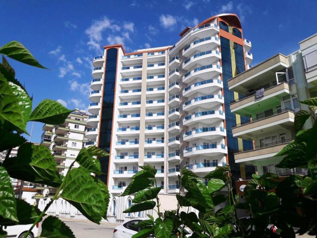 Меблированная квартира 2+1 с европейском районе Алании Махмутлар - Фото 1