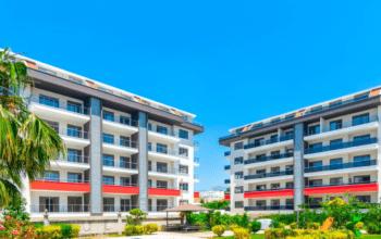 Огромная квартира с пятью спальнями в хорошем комплексе в Кестеле
