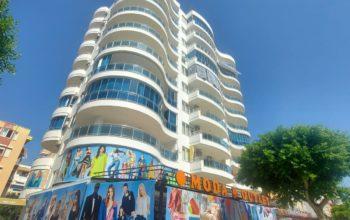 Просторная квартира 2+1 на центральной улице в Махмутларе