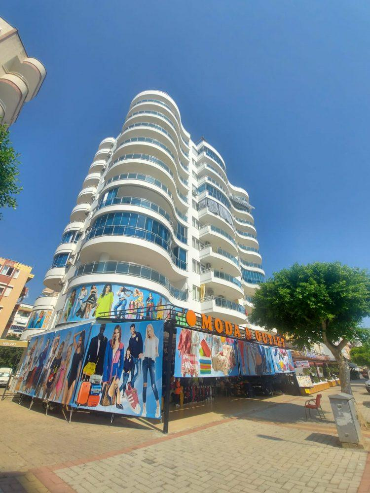 Просторная квартира 2+1 на центральной улице в Махмутларе - Фото 1