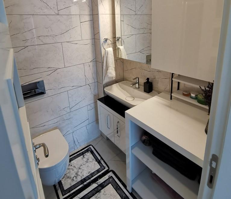 Огромная квартира с пятью спальнями в хорошем комплексе в Кестеле - Фото 41