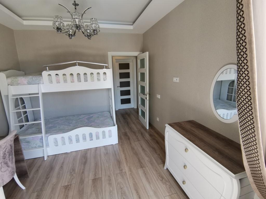 Огромная квартира с пятью спальнями в хорошем комплексе в Кестеле - Фото 31