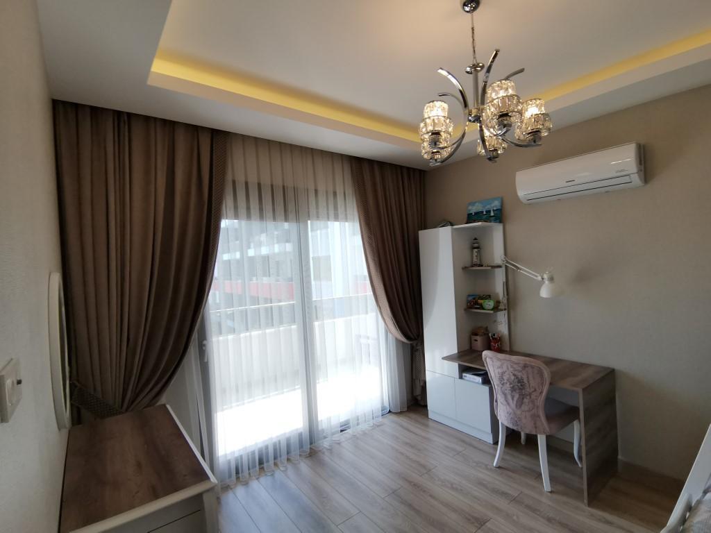 Огромная квартира с пятью спальнями в хорошем комплексе в Кестеле - Фото 27