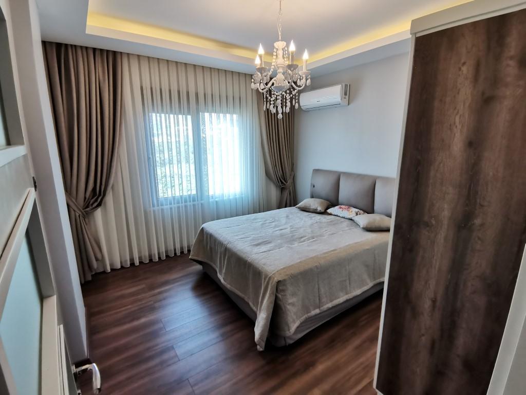 Огромная квартира с пятью спальнями в хорошем комплексе в Кестеле - Фото 29