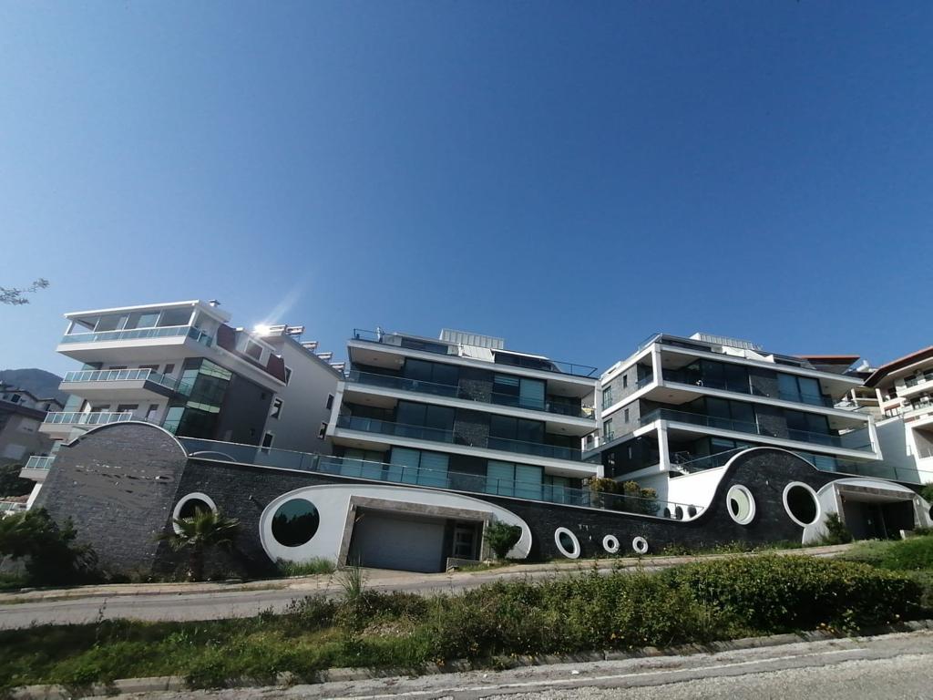 Апартаменты 2+1 с панорамным видом на Аланию - Фото 1