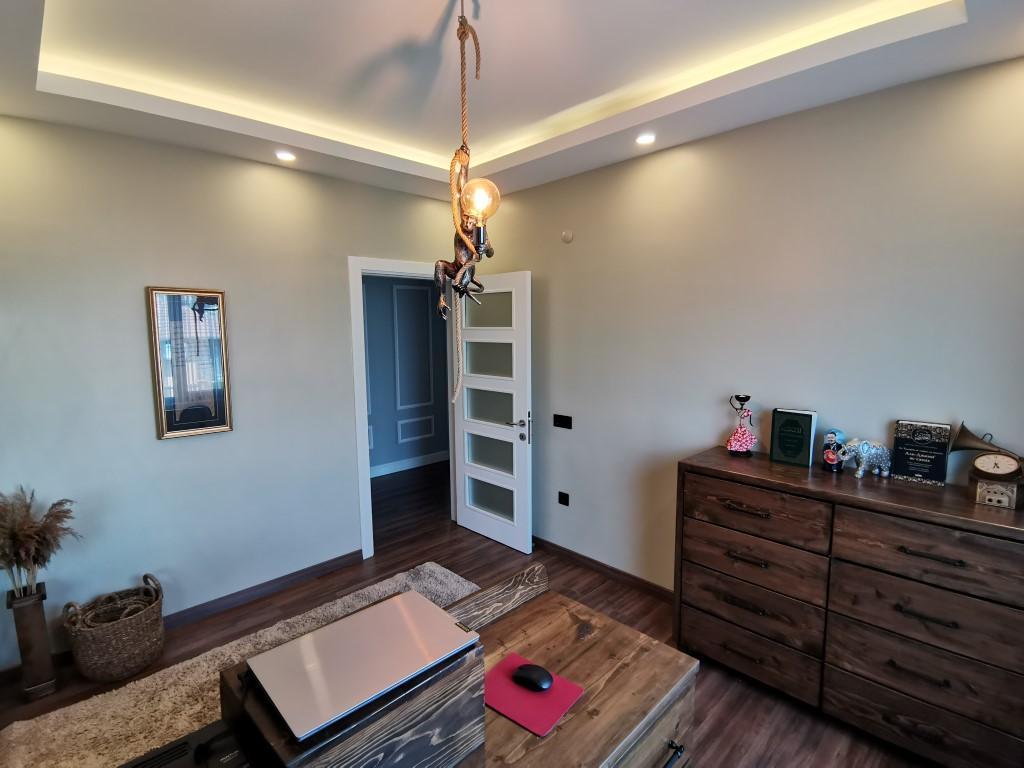 Огромная квартира с пятью спальнями в хорошем комплексе в Кестеле - Фото 28