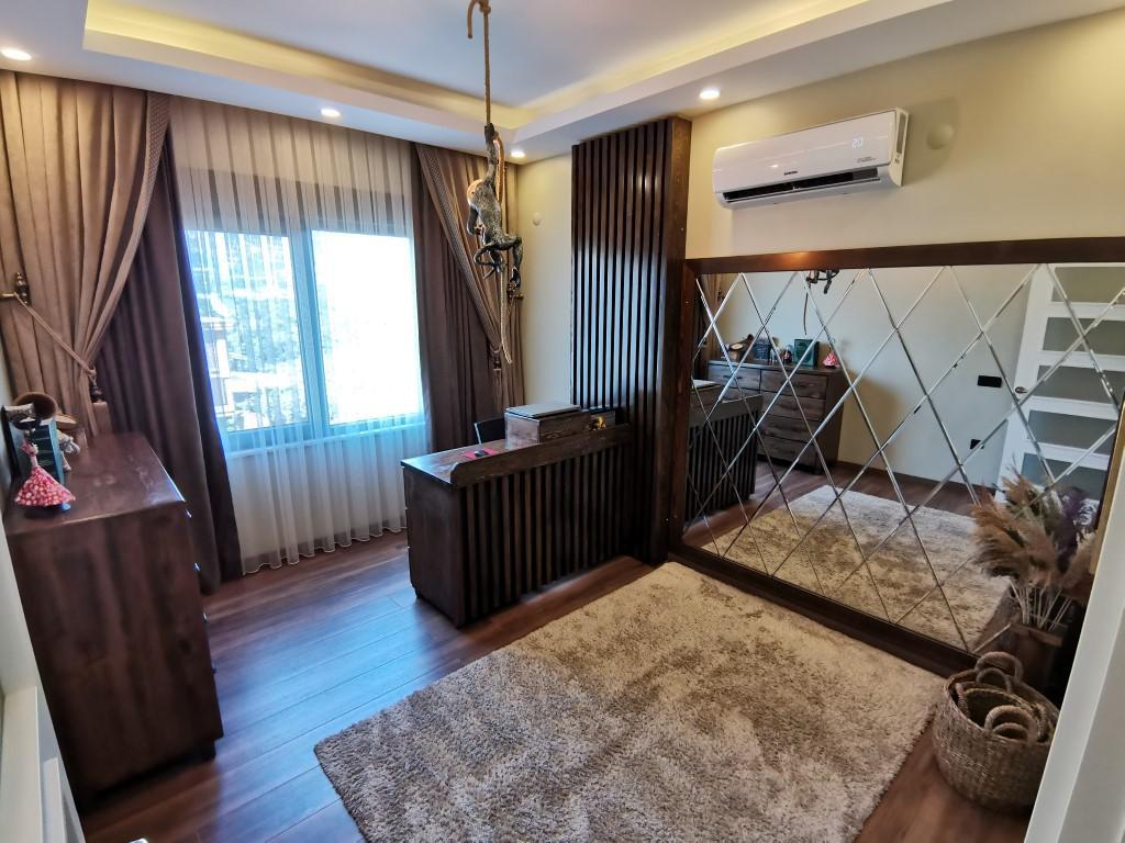 Огромная квартира с пятью спальнями в хорошем комплексе в Кестеле - Фото 24