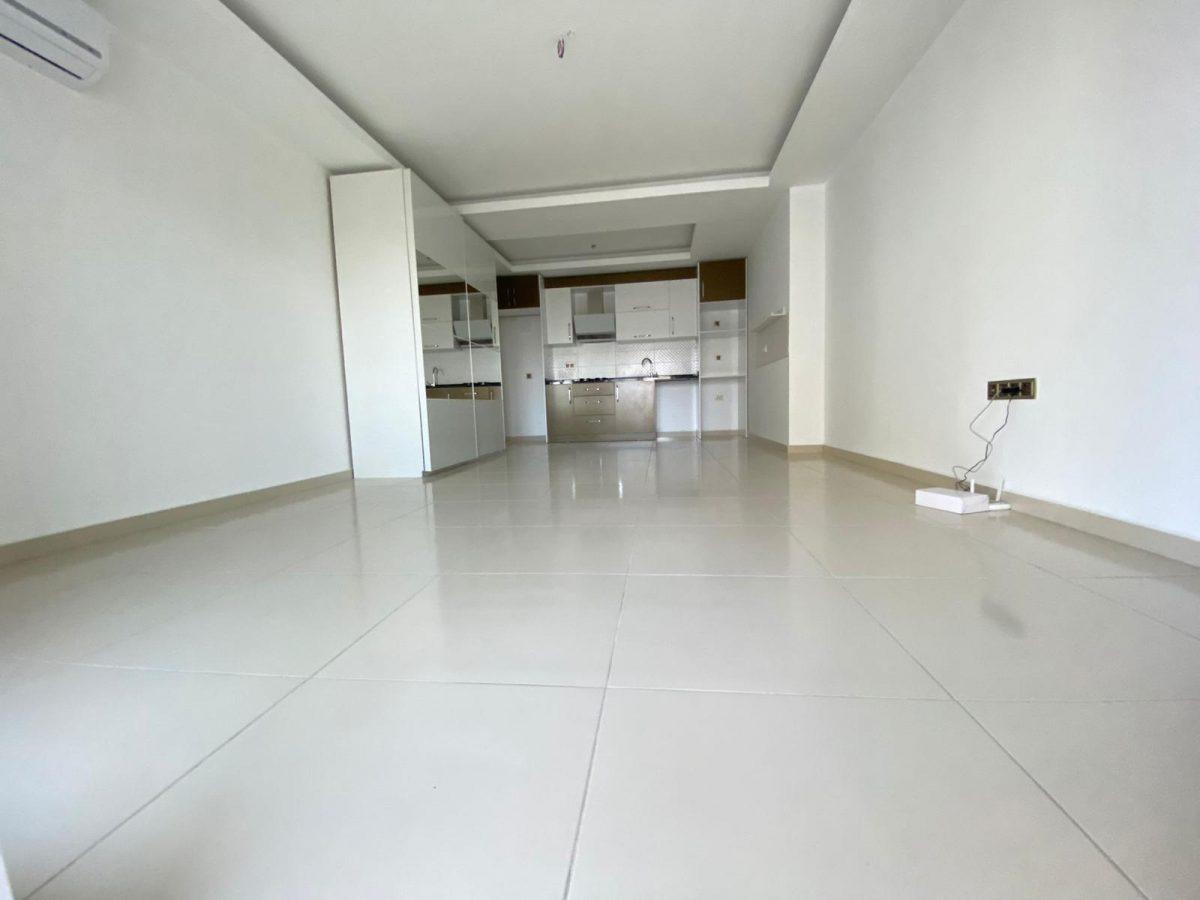 Просторная квартира 1+1 в хорошем комплексе в Махмутларе - Фото 16