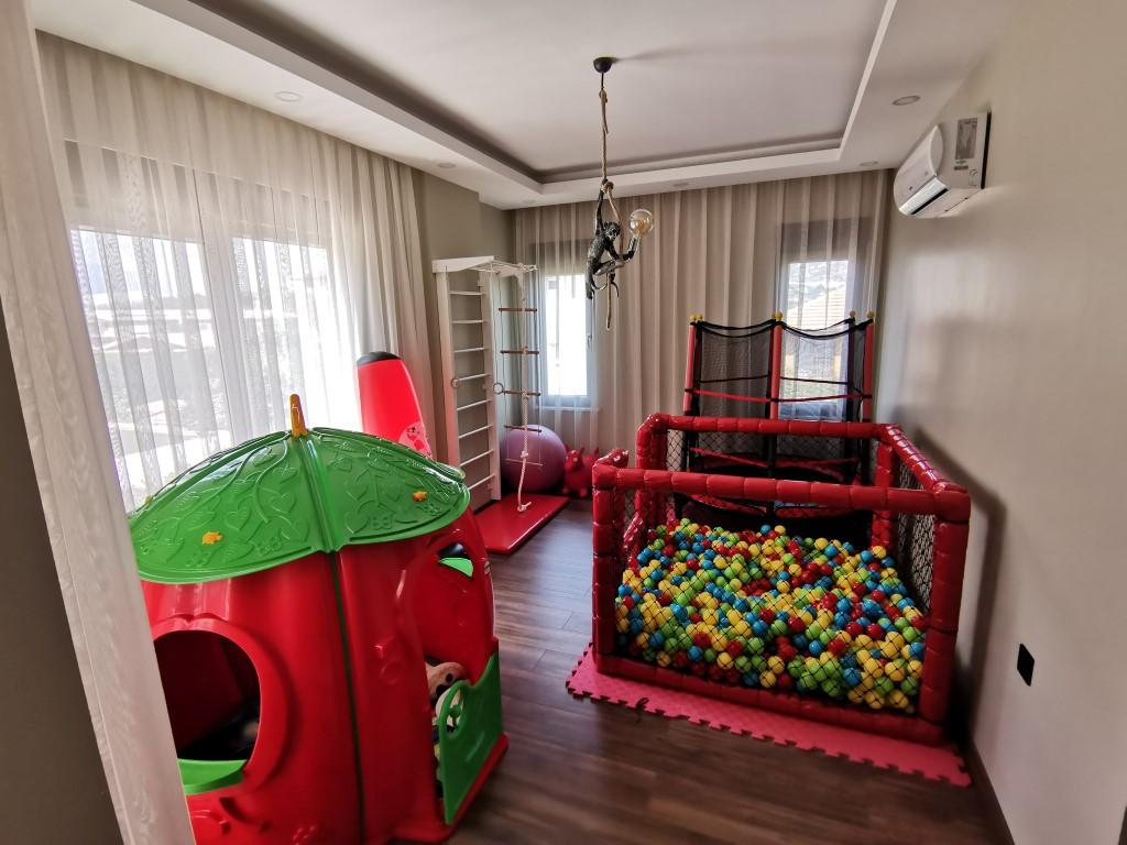 Огромная квартира с пятью спальнями в хорошем комплексе в Кестеле - Фото 15