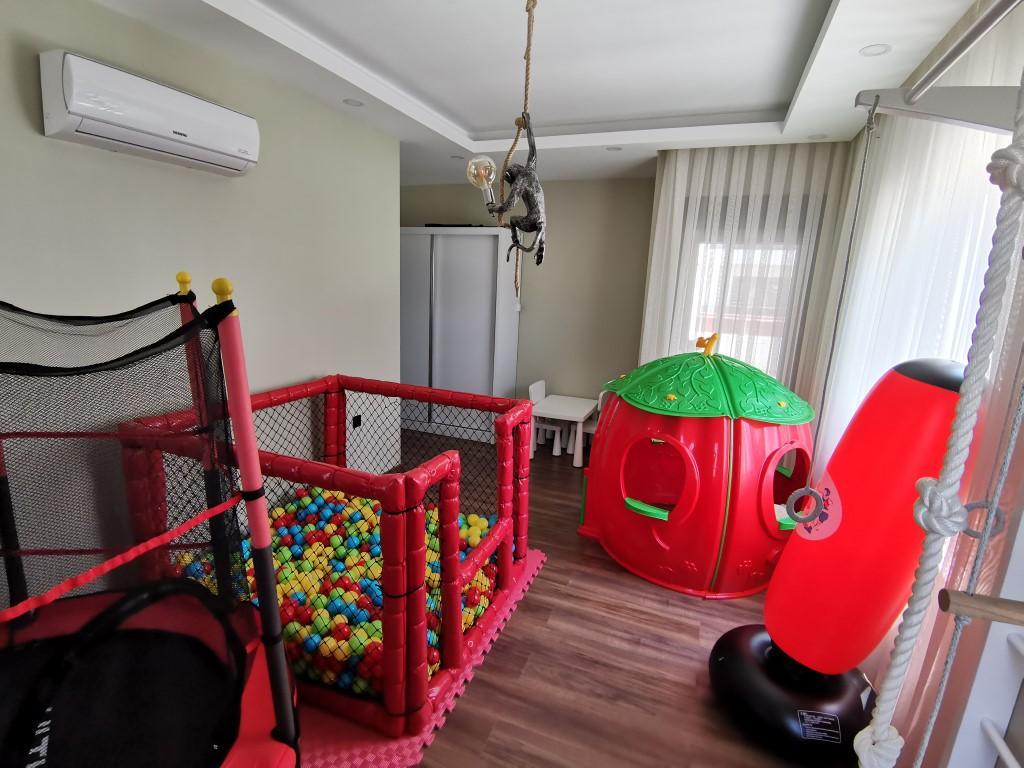 Огромная квартира с пятью спальнями в хорошем комплексе в Кестеле - Фото 16