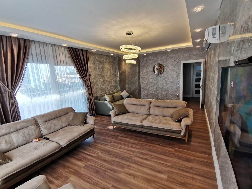 Огромная квартира с пятью спальнями в хорошем комплексе в Кестеле - Фото 25
