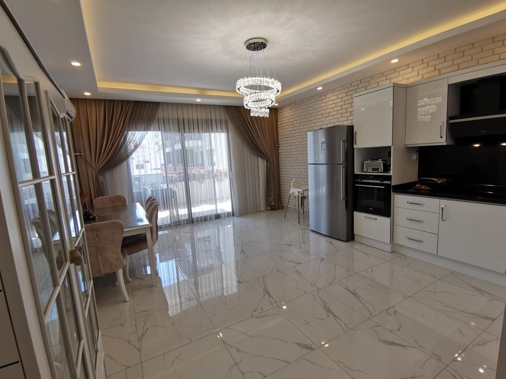 Огромная квартира с пятью спальнями в хорошем комплексе в Кестеле - Фото 21
