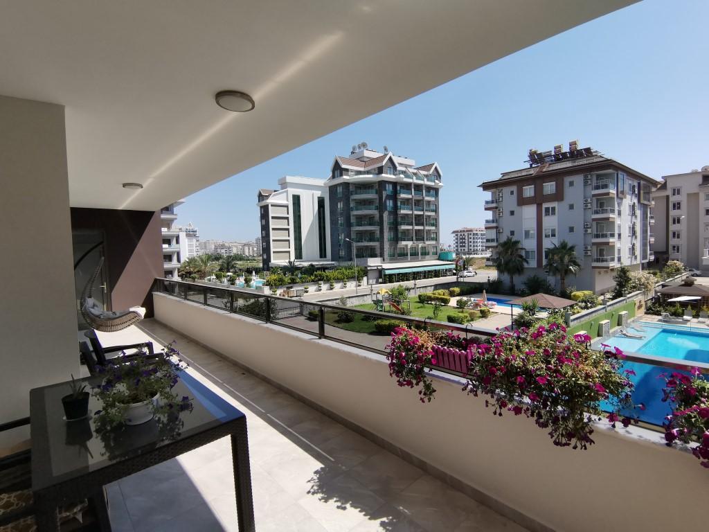 Огромная квартира с пятью спальнями в хорошем комплексе в Кестеле - Фото 34