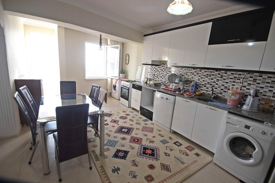 Просторная квартира с отдельной кухней в центре Алании - Фото 7