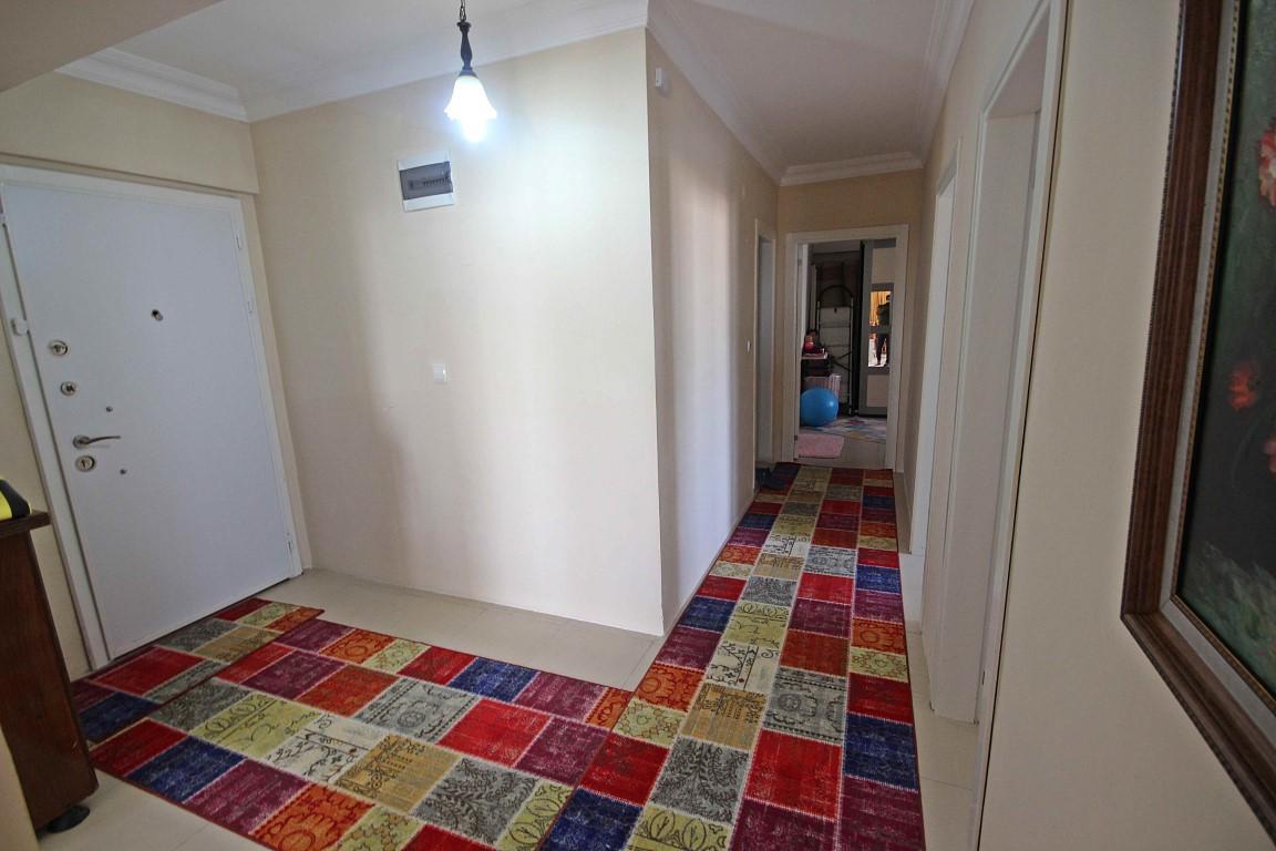 Просторная квартира с отдельной кухней в центре Алании - Фото 15