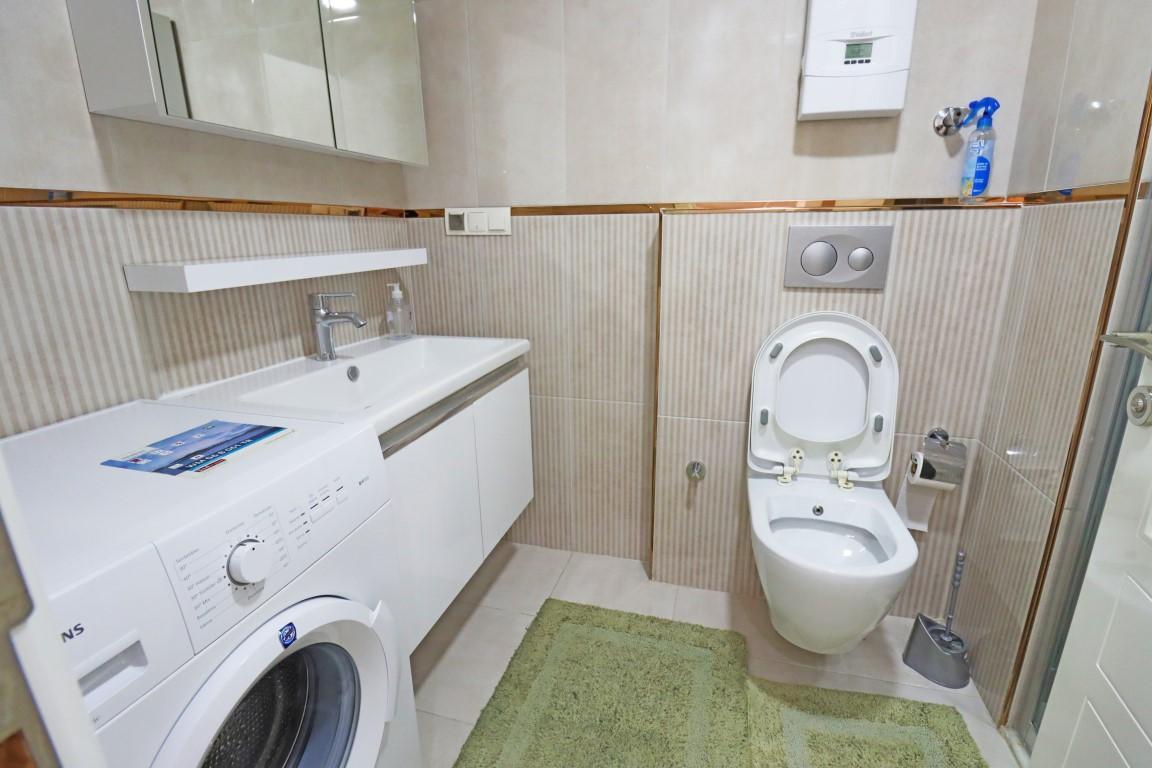 Меблированная квартир 1+1 в комплексе с хорошей инфраструктурой в Кестеле - Фото 15