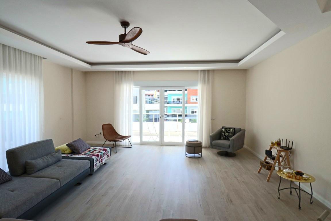 Просторная квартира с четырьмя спальнями в европейском районе Оба - Фото 27