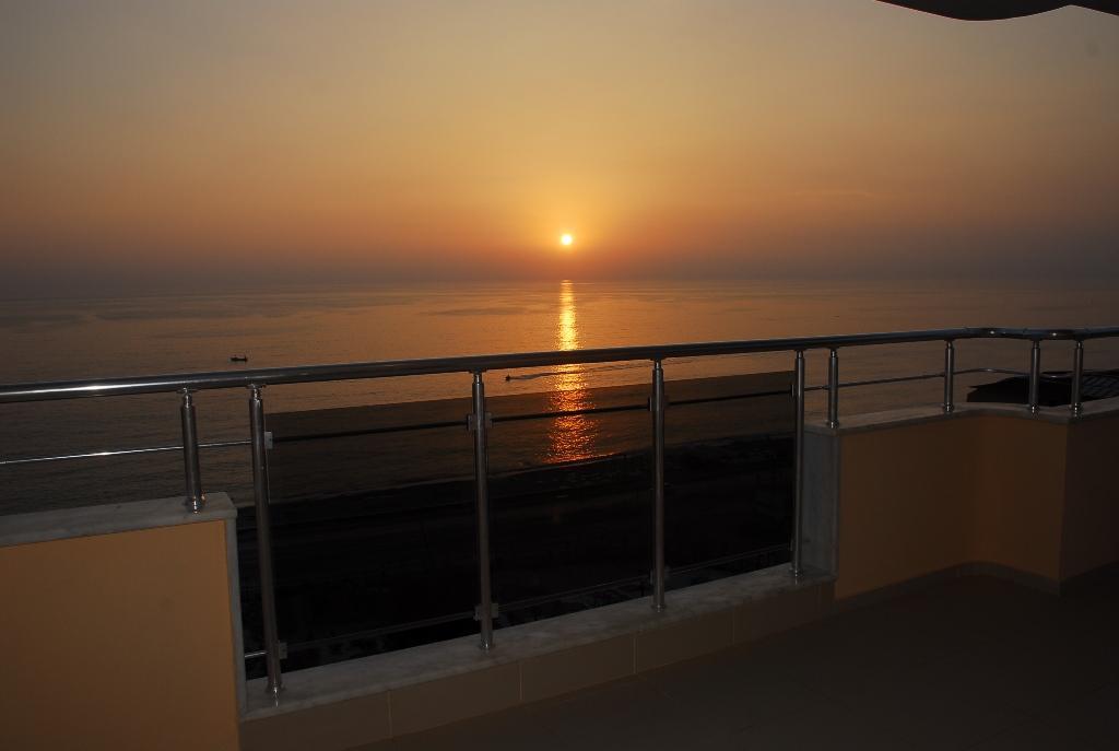 Двухуровневая квартира с тремя спальнями с панорамным видом на море в Махмутларе - Фото 24