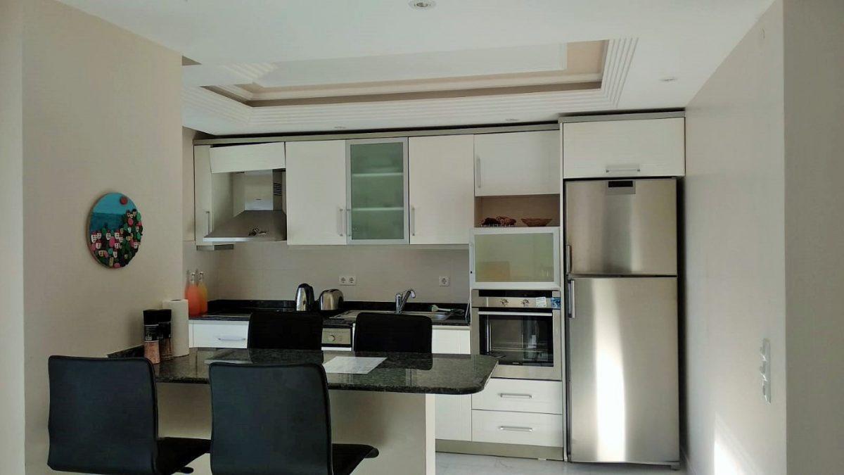 Меблированная квартира 2+1 в комплексе на первой береговой линии в Тосмуре - Фото 18