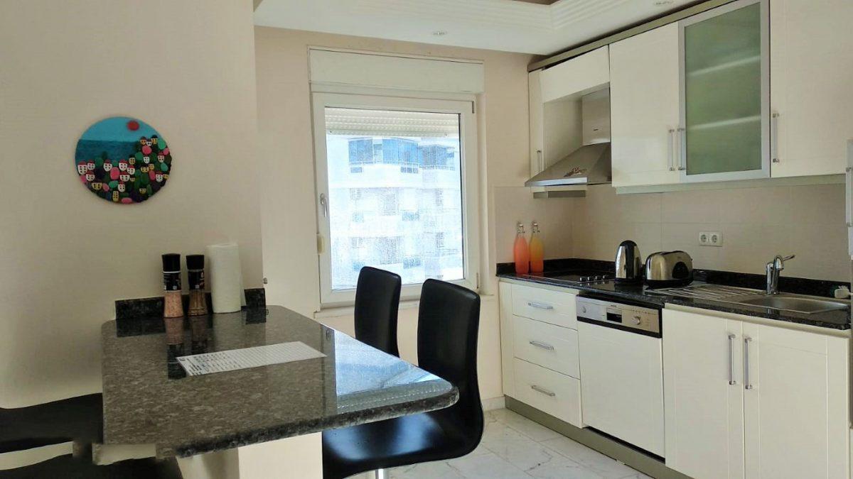 Меблированная квартира 2+1 в комплексе на первой береговой линии в Тосмуре - Фото 19