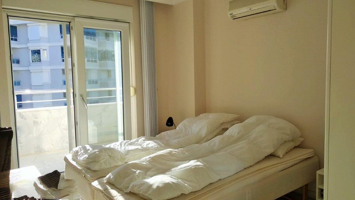Меблированная квартира 2+1 в комплексе на первой береговой линии в Тосмуре - Фото 21