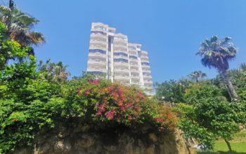 Меблированная квартира у подножия гор в Махмутларе