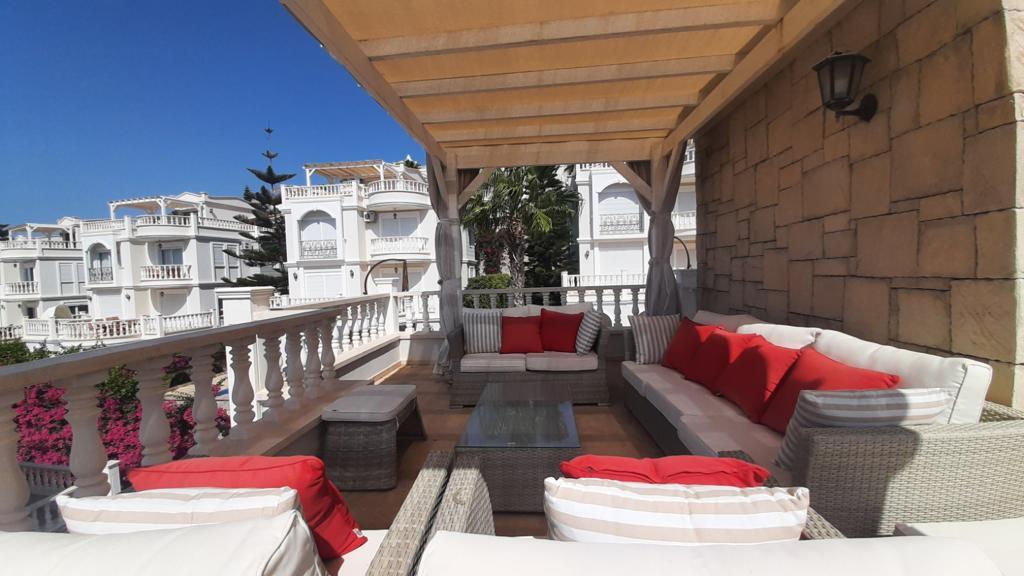 Трехэтажная вилла с бассейном в комплексе а Конаклы - Фото 18