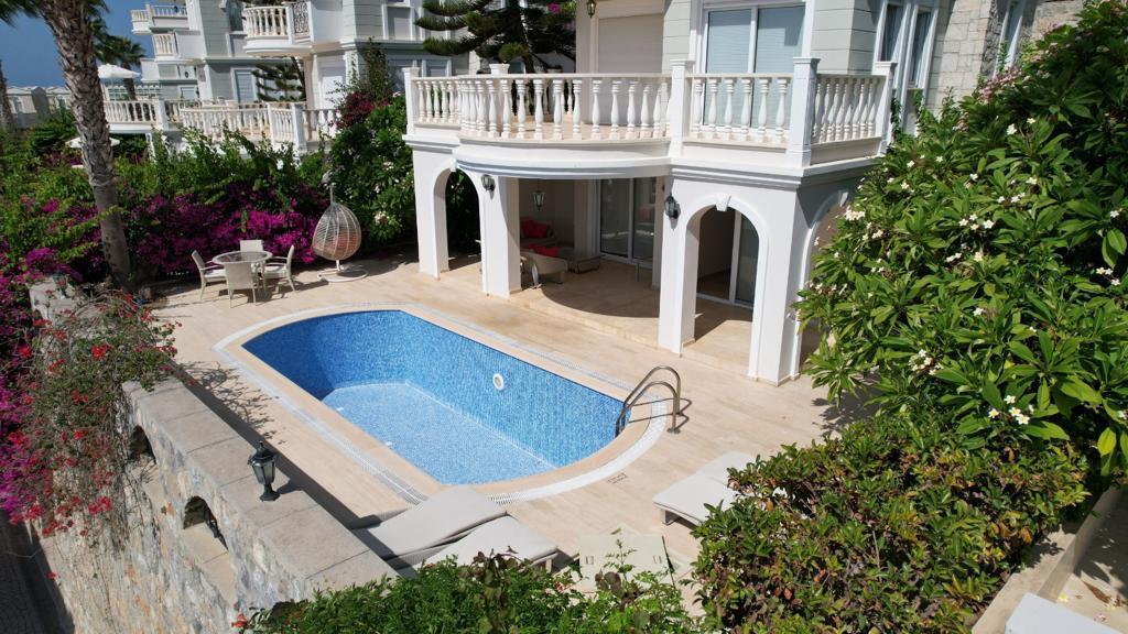 Трехэтажная вилла с бассейном в комплексе а Конаклы - Фото 4