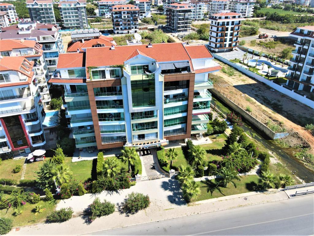 Меблированная квартира 1+1 в комплексе на первой береговой линии в Кестеле - Фото 3