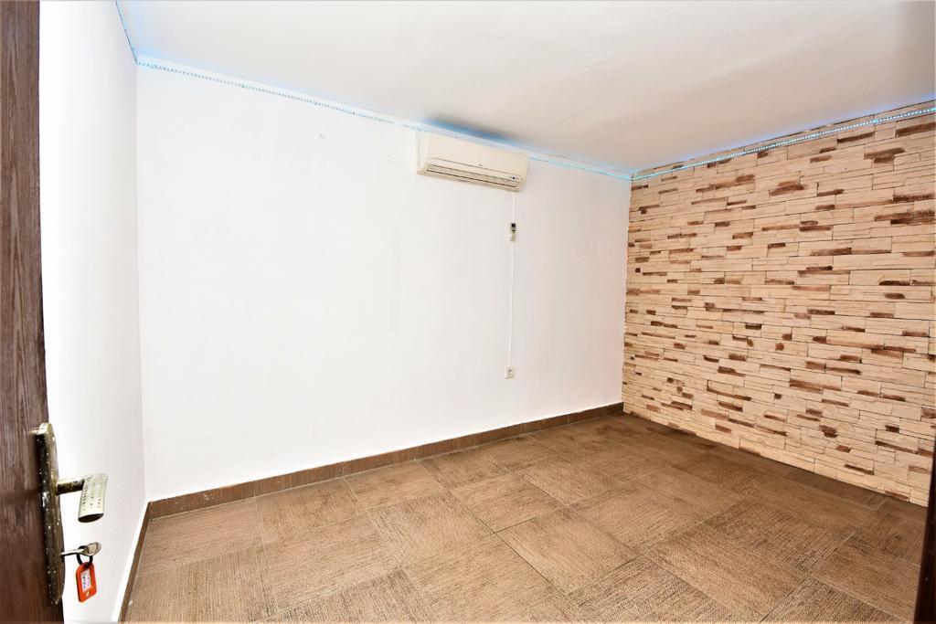 Меблированная квартира 1+1 в комплексе на первой береговой линии в Кестеле - Фото 17