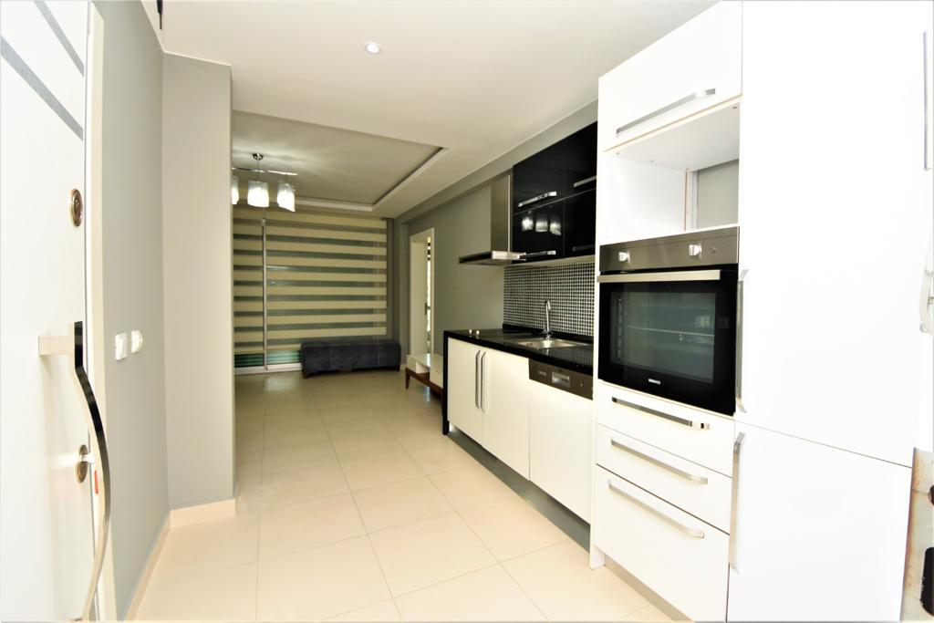 Меблированная квартира 1+1 в комплексе на первой береговой линии в Кестеле - Фото 21