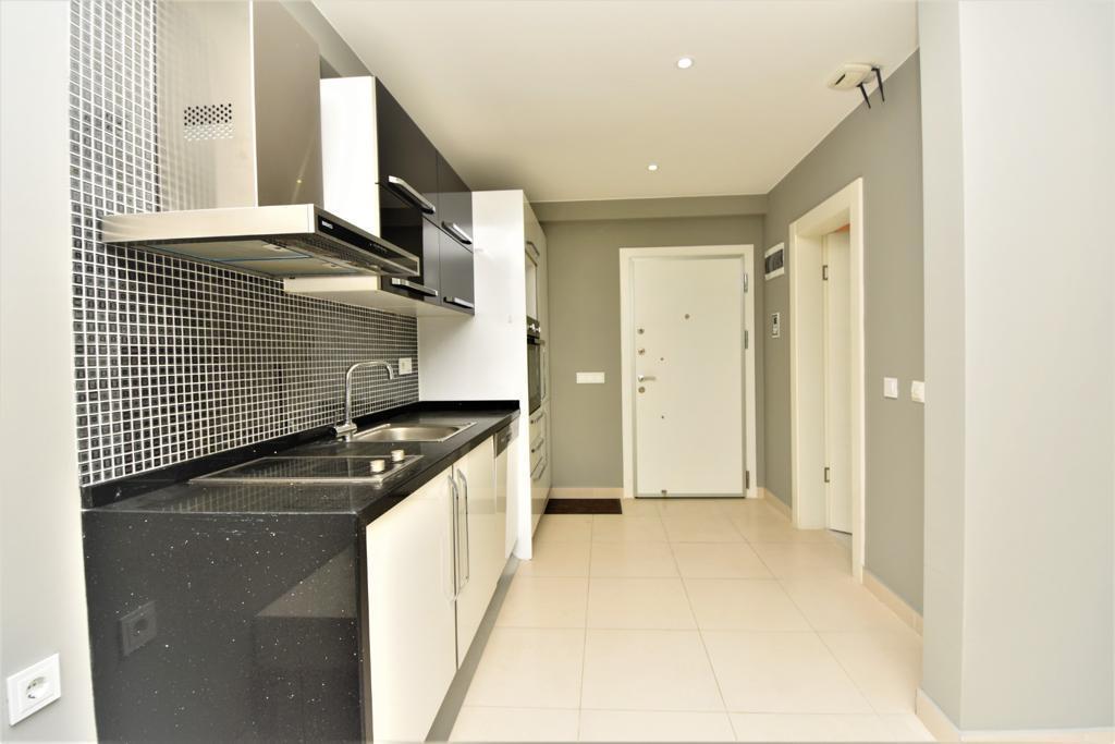 Меблированная квартира 1+1 в комплексе на первой береговой линии в Кестеле - Фото 20