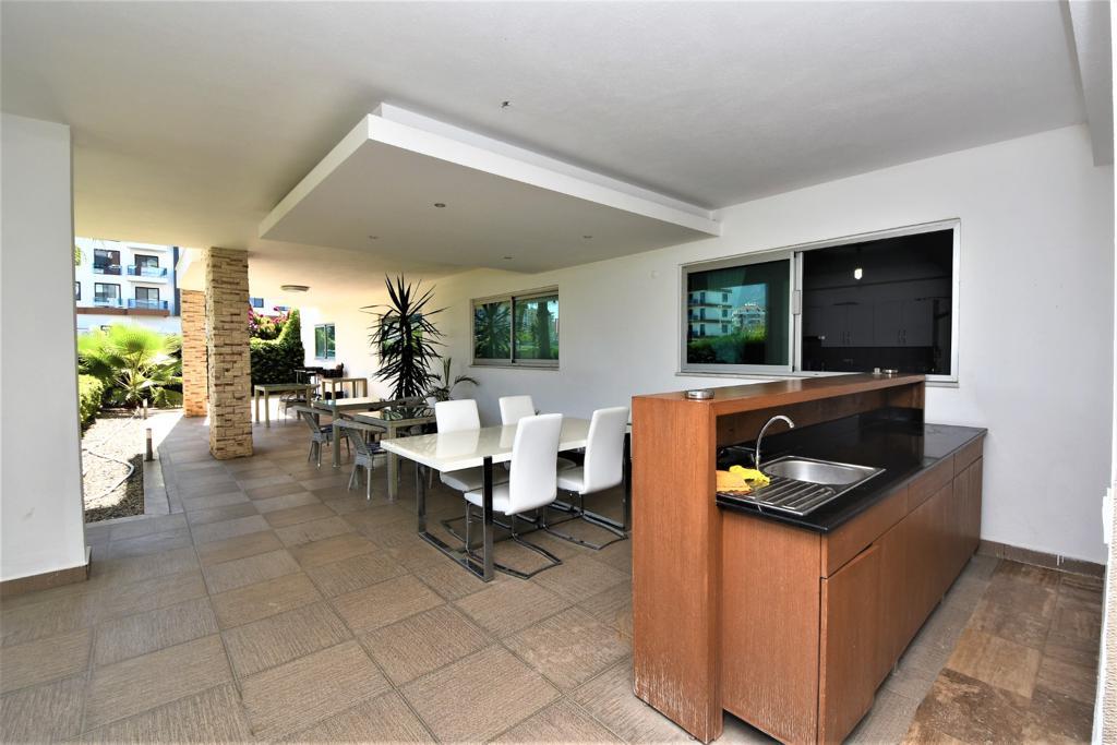 Меблированная квартира 1+1 в комплексе на первой береговой линии в Кестеле - Фото 18
