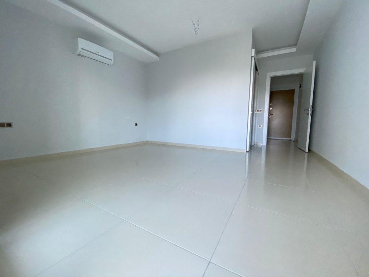 Просторная квартира 1+1 в хорошем комплексе в Махмутларе - Фото 15