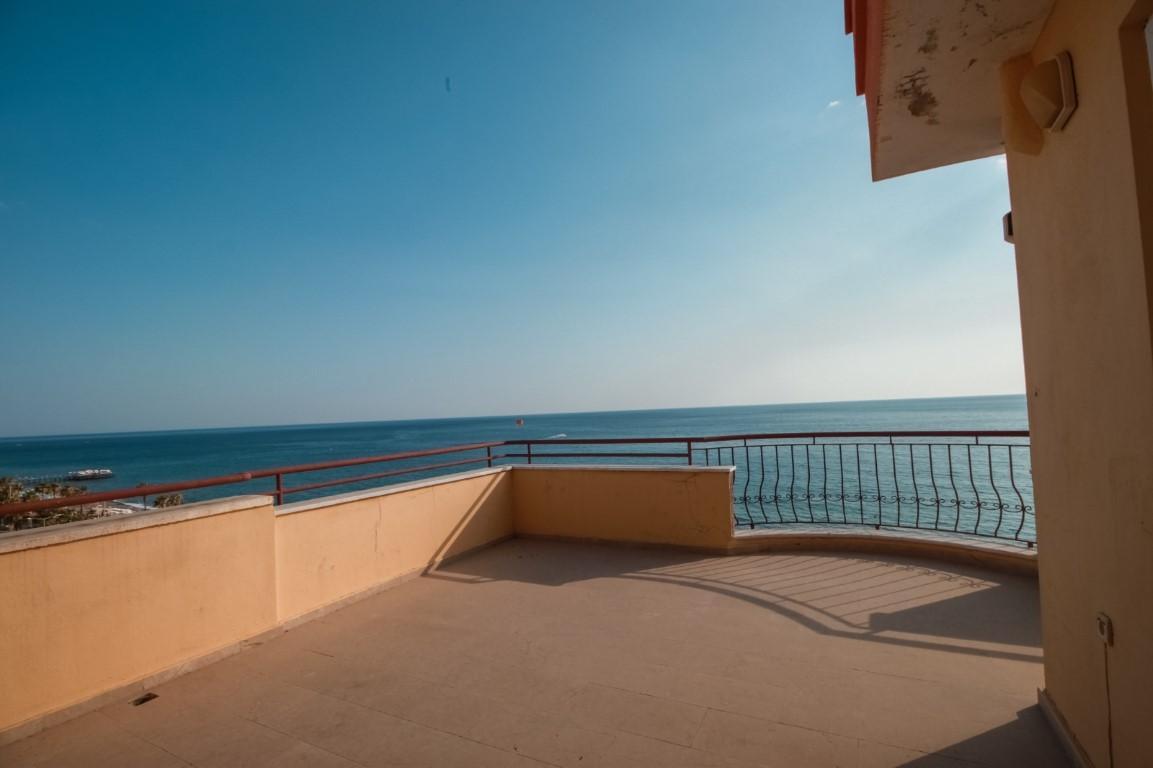 Пентхаус 3+1 с прямым видом на море в Махмутларе - Фото 29
