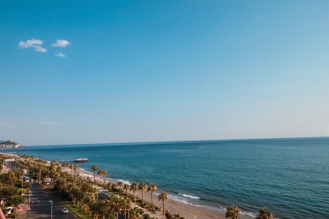 Пентхаус 3+1 с прямым видом на море в Махмутларе - Фото 31