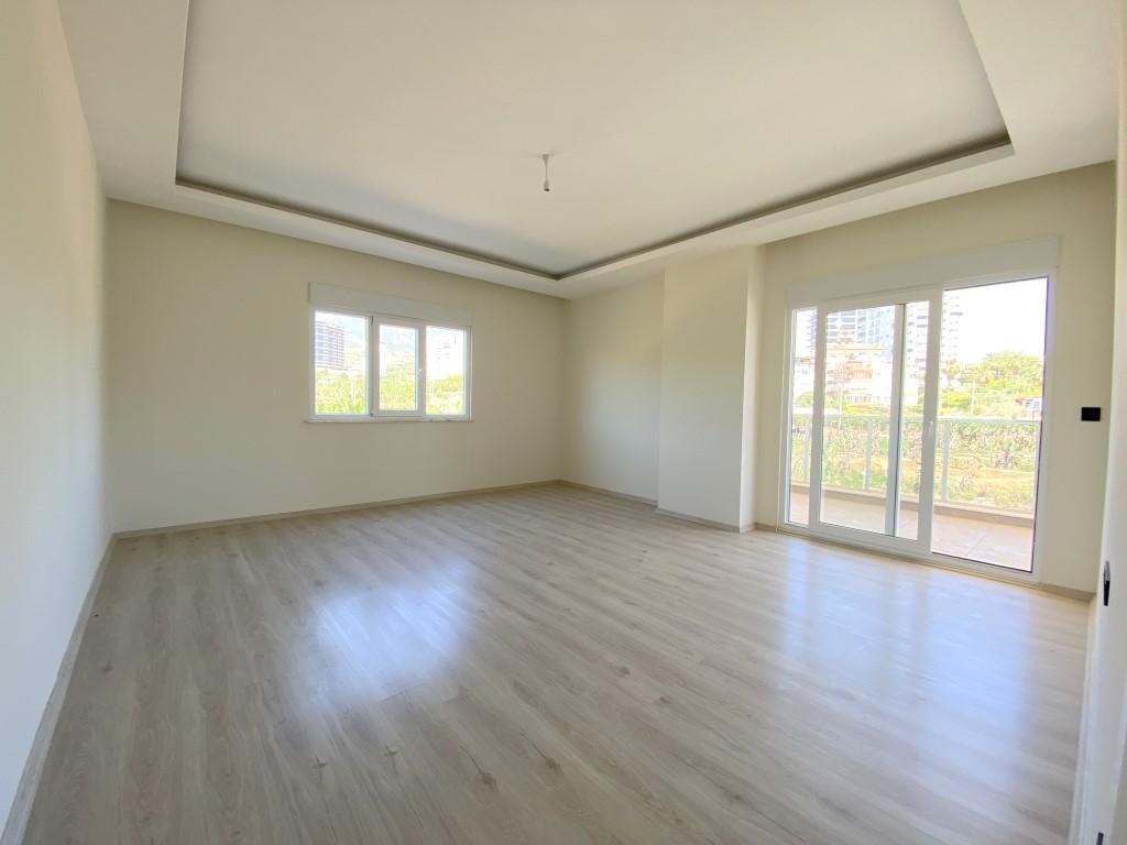 Новые просторные апартаменты 3+1 с панорамным видом в Махмутлар - Фото 16