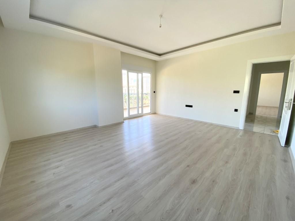 Новые просторные апартаменты 3+1 с панорамным видом в Махмутлар - Фото 17