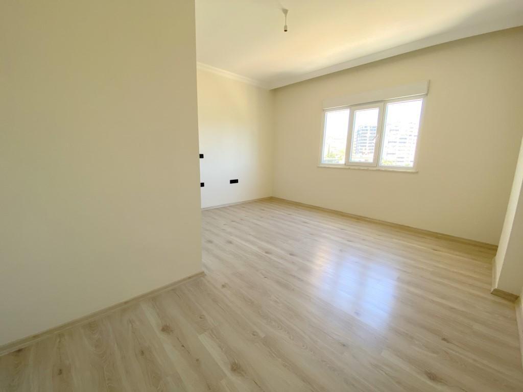Новые светлые апартаменты 3+1 с панорамным видом в Махмутлар - Фото 19