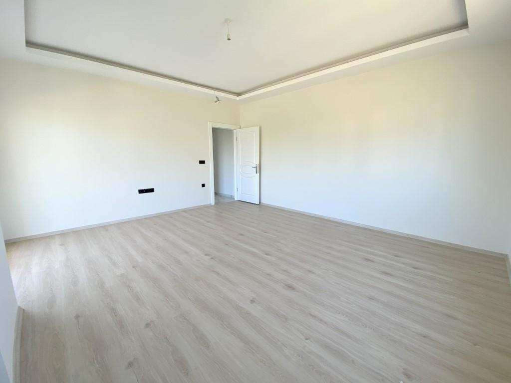 Новые светлые апартаменты 3+1 с панорамным видом в Махмутлар - Фото 23