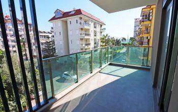 Апартаменты 3+1 с боковым видом на море