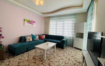 Просторная меблированная квартира рядом с морем в Махмутларе
